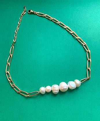 Collier orné de 6 perles
