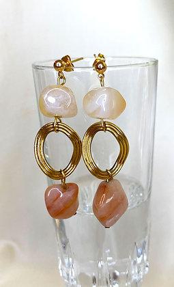 Boucles d'oreilles pendantes ornées de pierres