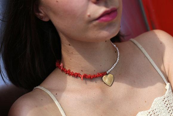 Collier bicolore orné de coraux et perles