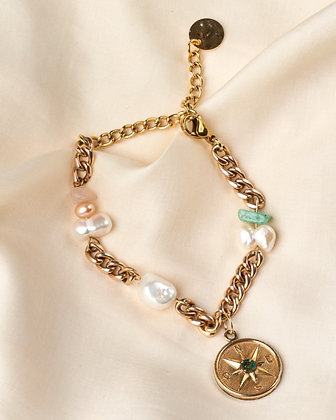 Bracelet orné d'un pendentif, perles et quartz