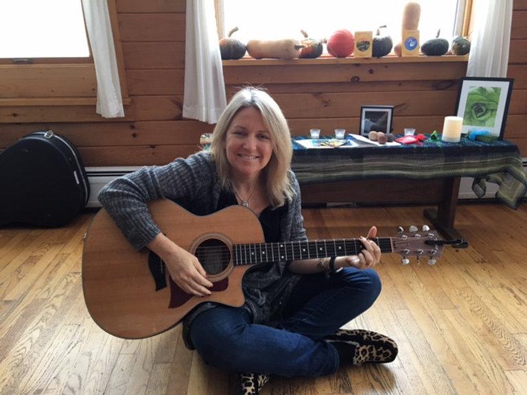 Juli.Guitar.JPG