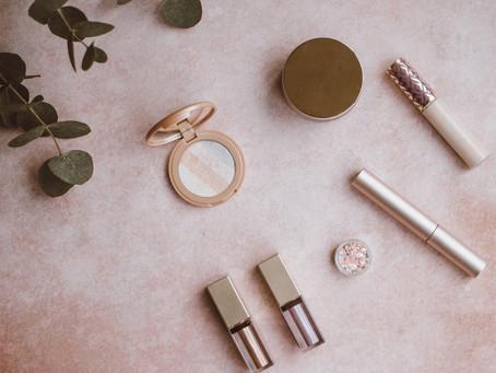 What should I pack in my bridal make up bag?