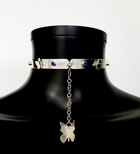 Butterfly Choker With Pendant