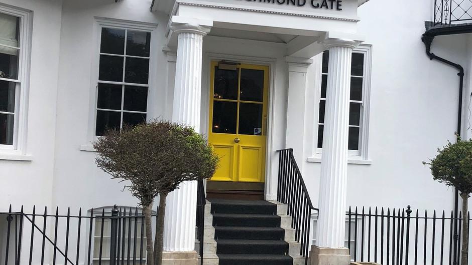 Richmond Gate Hotel Review