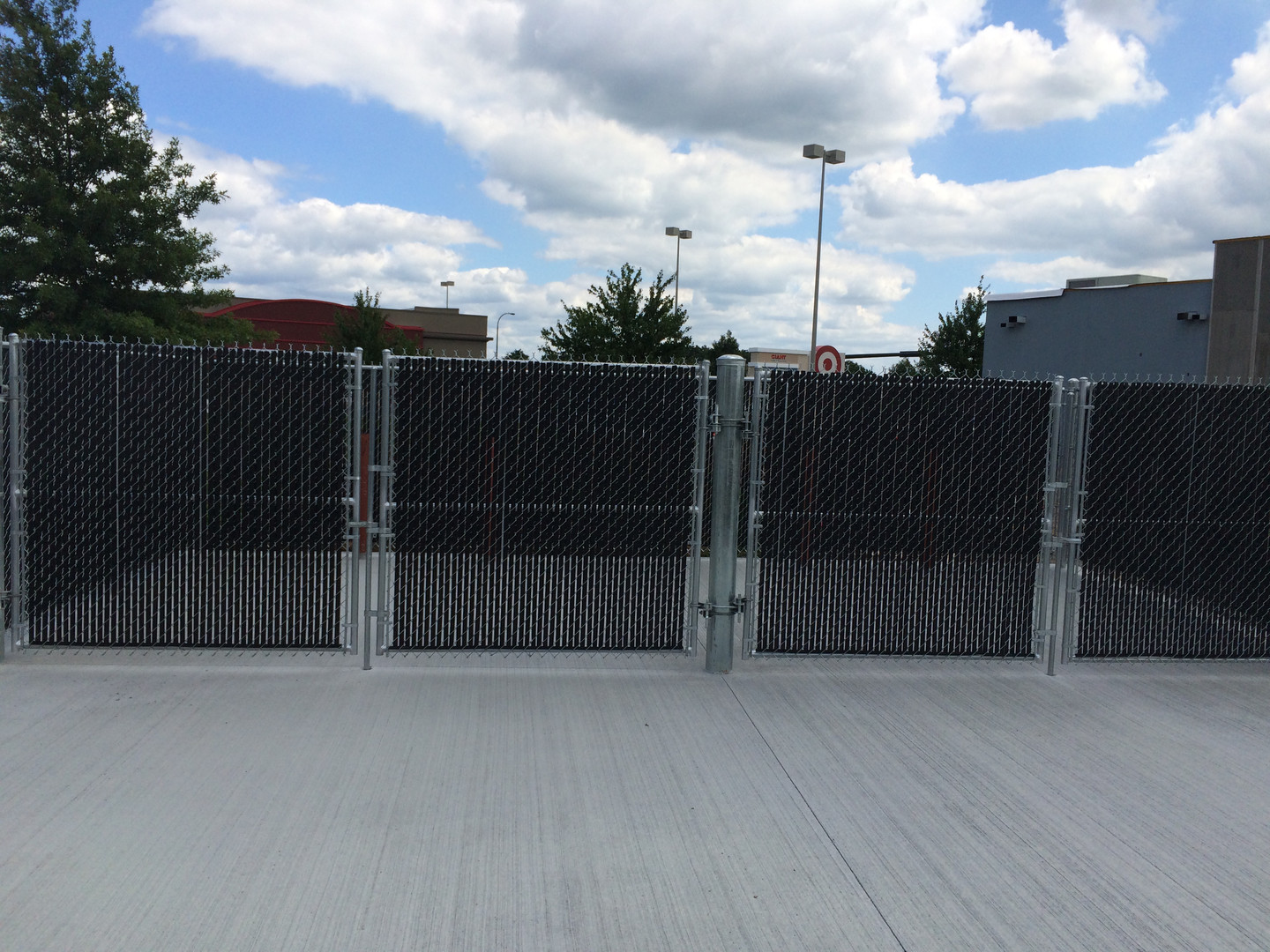 Vinyl Chain Link System with Privacy Slats