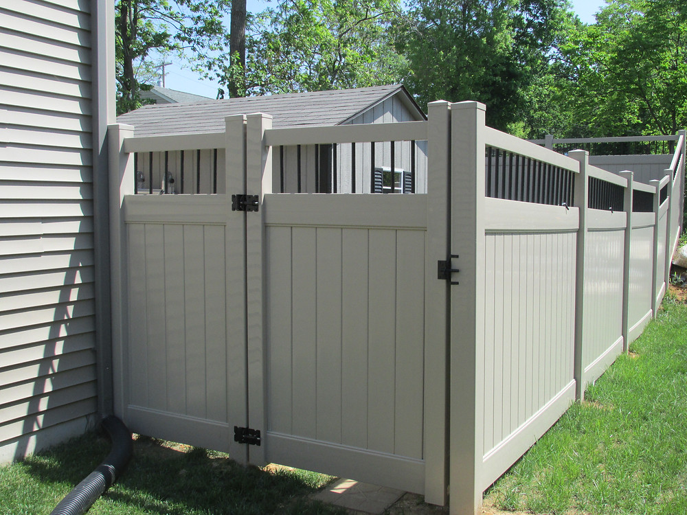 Hybrid-vinyl-aluminum-fence-privacy-gate-latch-backyard-mechanicsburg