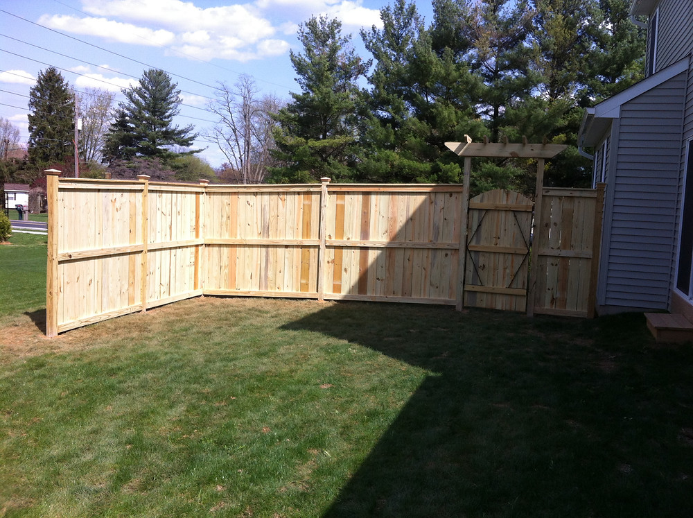 Wood Fence and Gate Arbor for Yard-privacy installation in harrisburg, carlisle, mechanicsburg, dillsburg, york, camp hill, enola PA