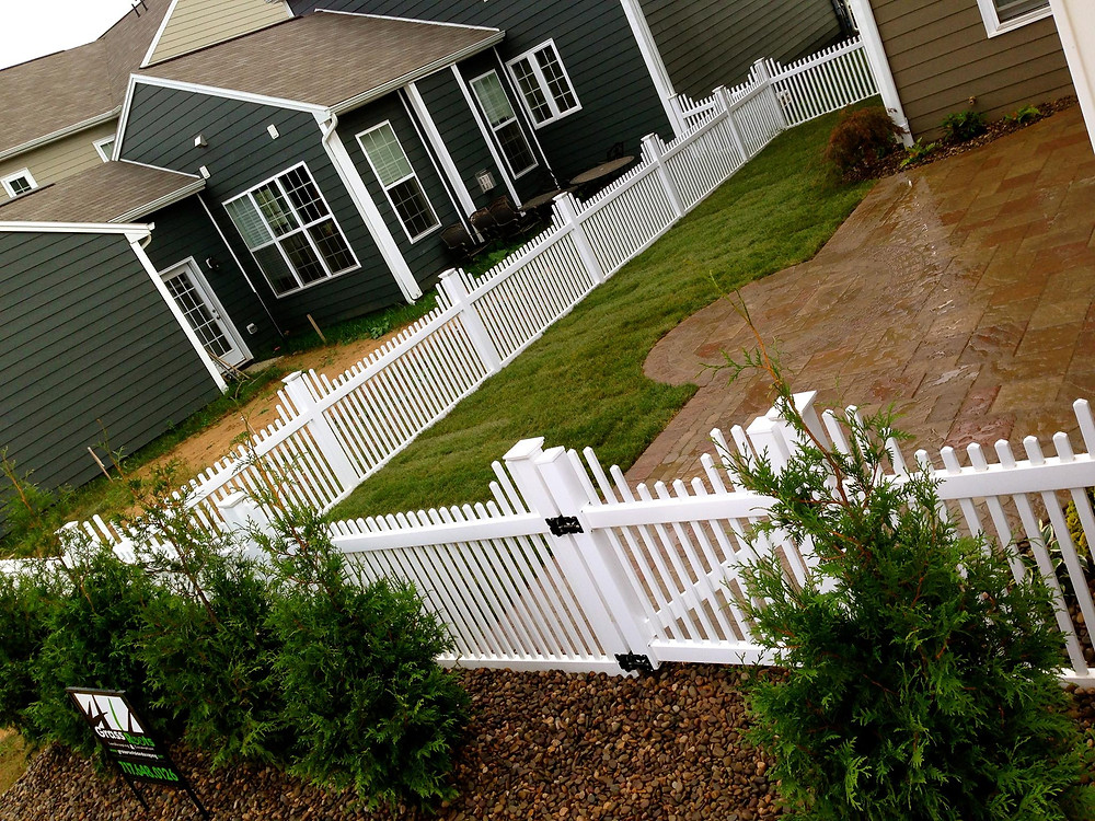 Vinyl PVC Picket Fence Scalloped Yard Fence Installed in Harrisburg-Carlisle-Mechanicsburg-Dillsburg-Aspers-Camp Hill-PA