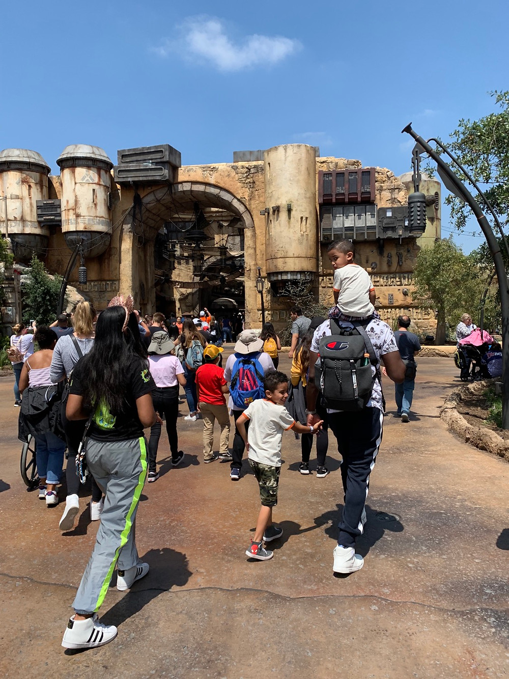 Star Wars Galaxy's Edge | Disneyland | Entrance
