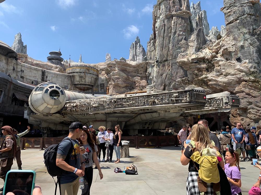 Star Wars Galaxy's Edge | Disneyland | Millennium Falcon