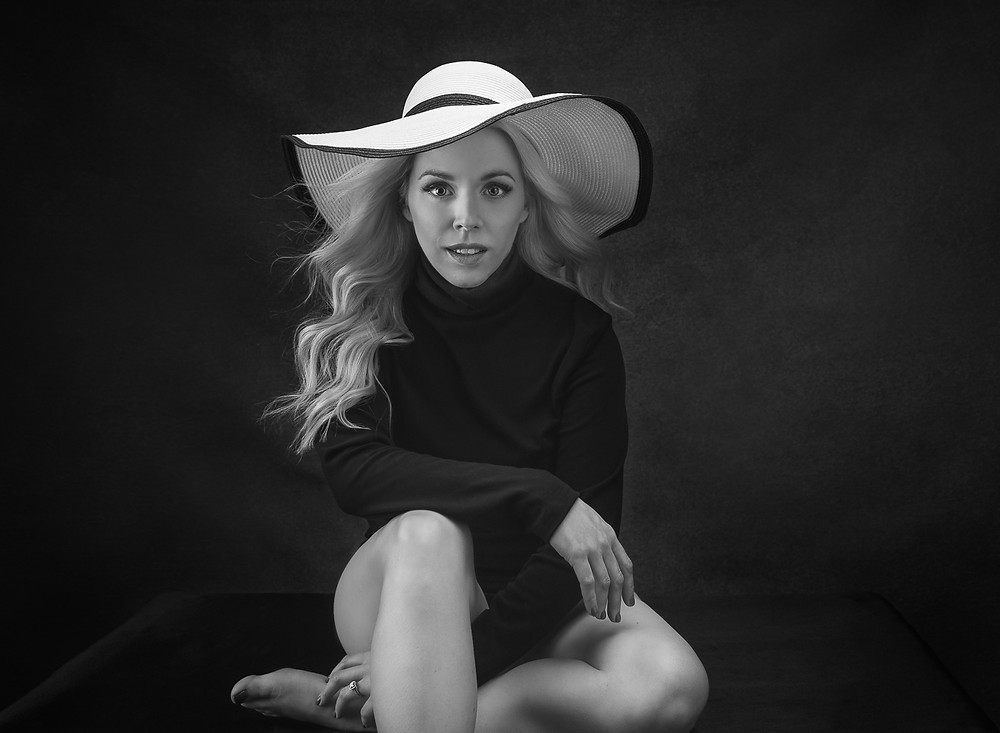 contemporary portrait artist Dani Marie Photography in Oklahoma City specializes in women's and family portraits, creating breathtaking and modern imagery for solo portraits, maternity, newborn, birth, and beyond.
