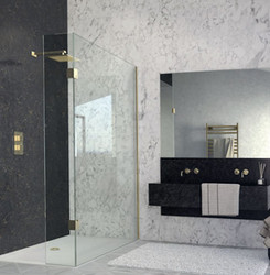 Walk-in with fixed panel This attractive and timeless design is sure to provide long lasting luxury.