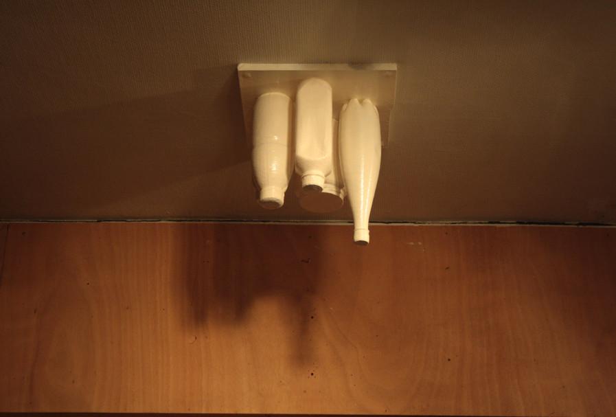 oggetti scocciati #0 (nature morte au plafond)