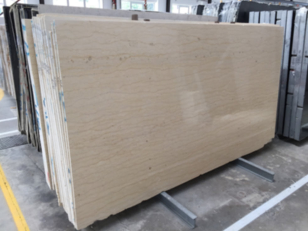 Pizzul - Beige Veneziano marble slabs.jp