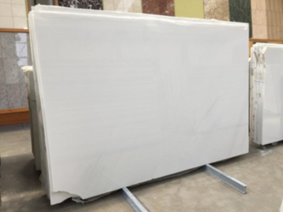 Pizzul - Bianco Regina marble slabs.jpeg