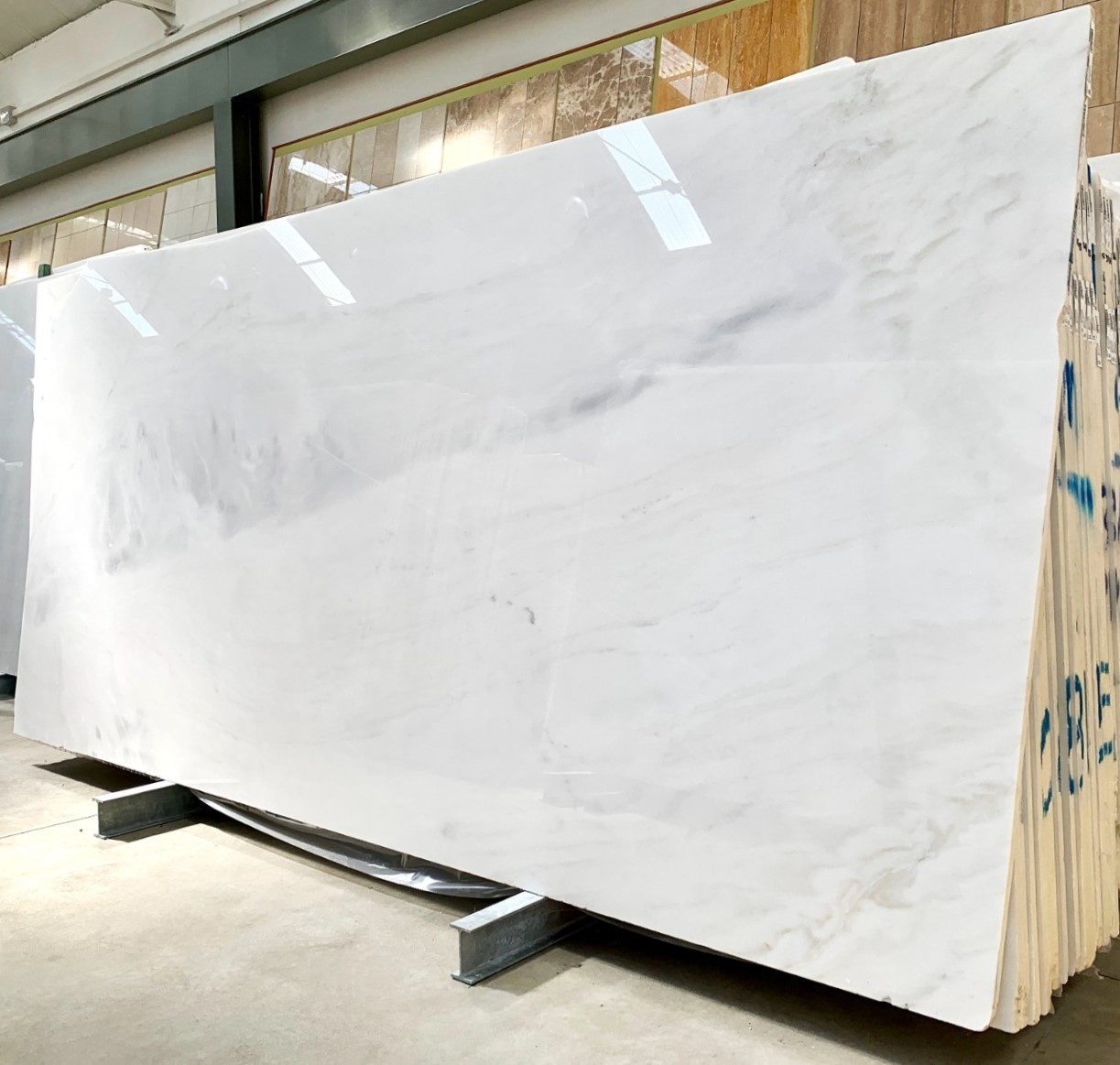 8150 322x150x2cm 65 polished slabs 299