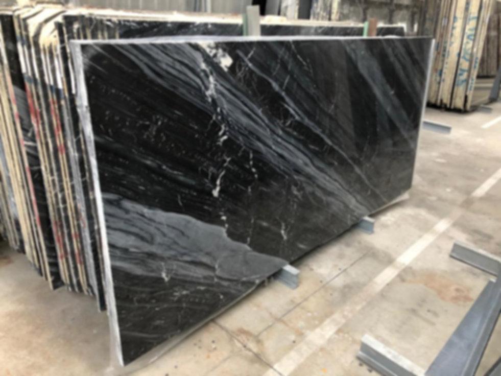 Pizzul - Ocean Black marble slabs.jpeg