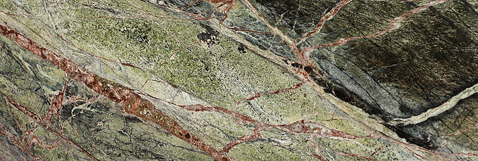 Pizzul - Rainforest Green marble detail.