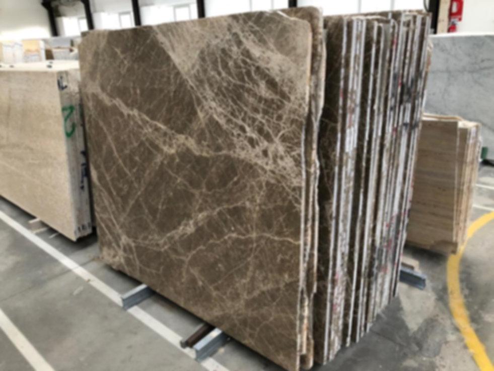 Pizzul - Emperador Light marble slabs.jp