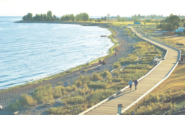 A view of the beachside walkway in Parksville