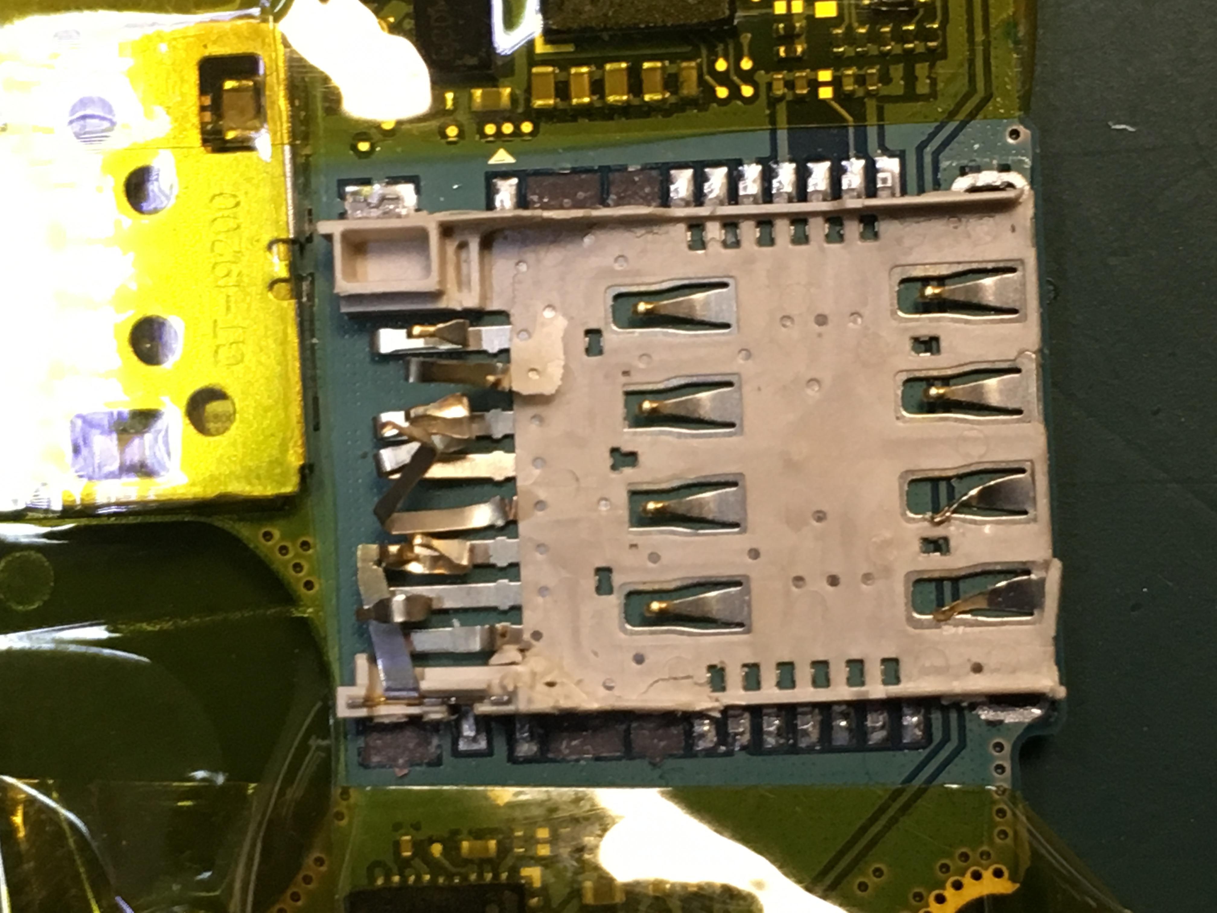 SIM/Micro SD Reader