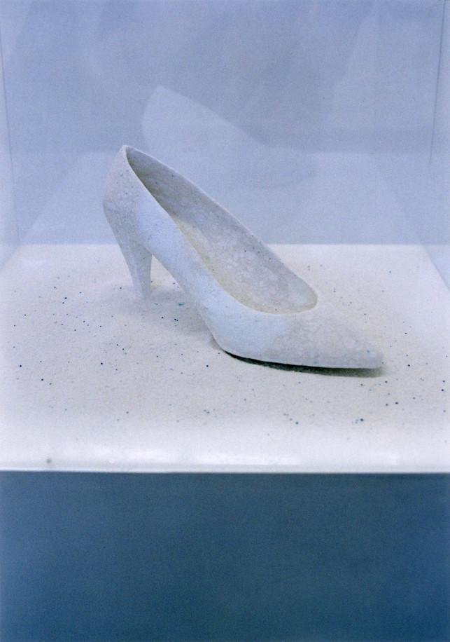 「穢れのない靴」