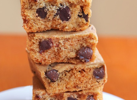 THE MOST DELICIOUS Pumpkin Chocolate Chip Cookie Bars