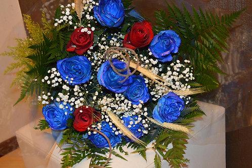 Buque com 12 rosas azul
