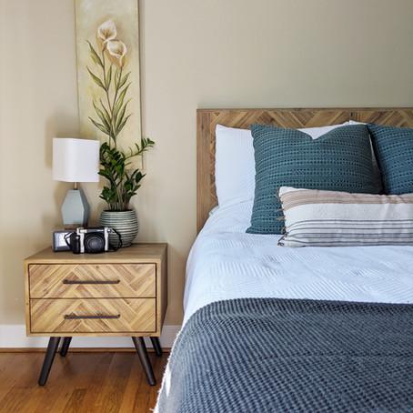 Lisa's cool tropical bedroom