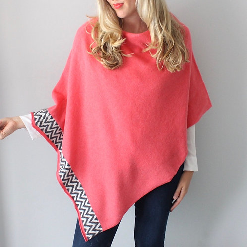 Bubblegum knitted lambswool poncho