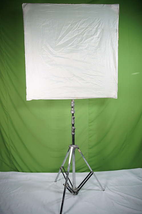 4x4 Grid Cloth w/ Frame and Stand