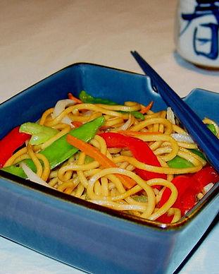 veggie lo mein 233 final cropped.jpg