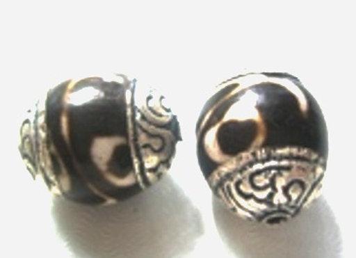 Small Batik Pattern Tibetan Boho Bead