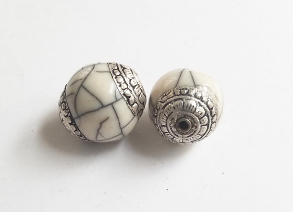Tibetan White Crackle Round Bead