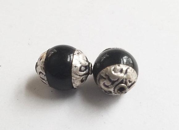 Small Tibetan Onyx Round Bead