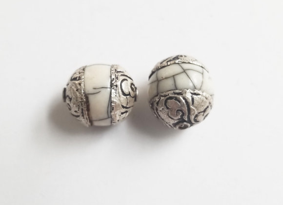 Small Tibetan White Crackle Round Bead