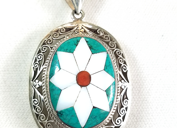 Beautiful cutwork turquoise and MOP inlay