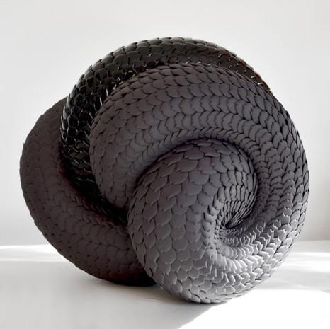 Black-knot-juliette-clovis-ceramic-art-c