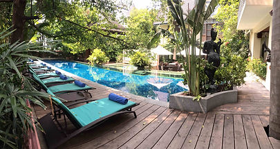 Tranquil backyard of Aryasomvilla, Bangkok
