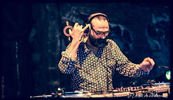 dj-vinyl4 - Jens-Igo.jpg