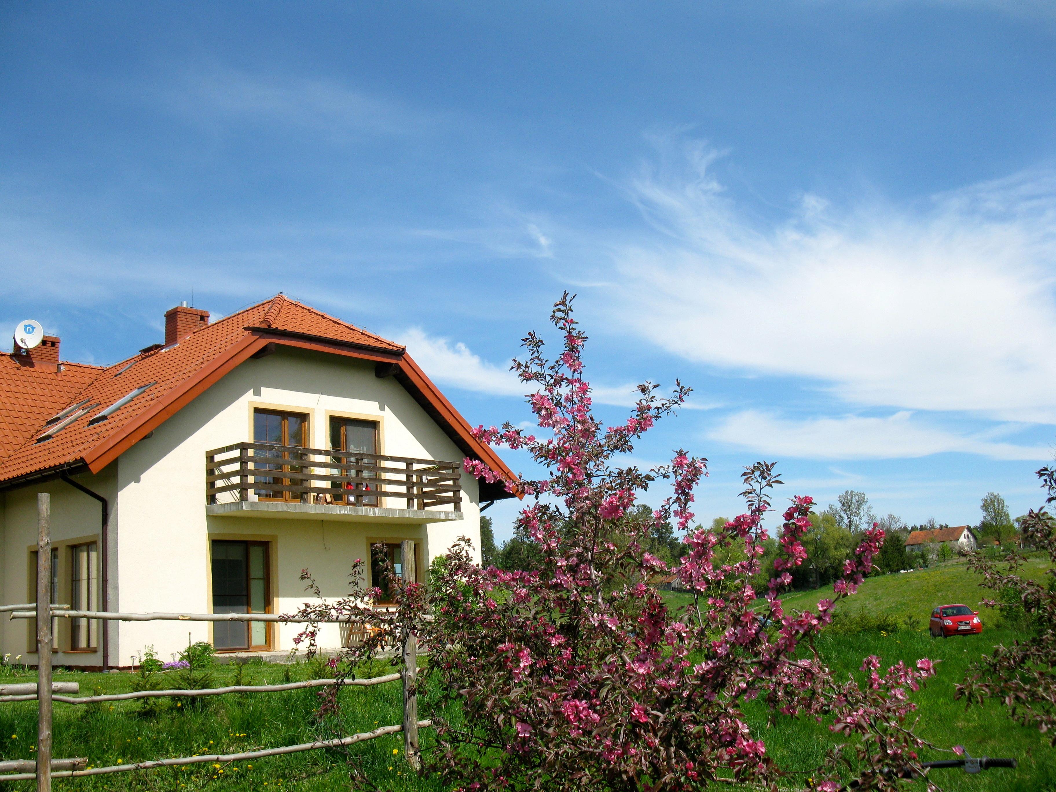 Dom od strony sadu