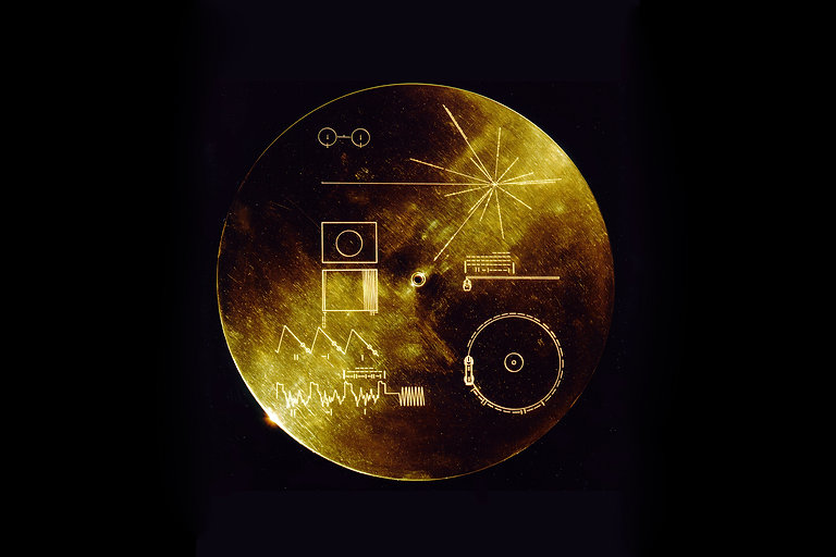 the-golden-record-voyager.jpg