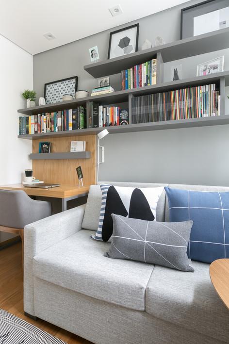 Home Office - Apto de um jovem advogado apaixonado por viagens e fotografia