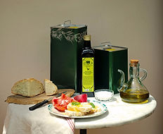 Olio extra vergine di oliva Agriturismo Della Mezzaluna