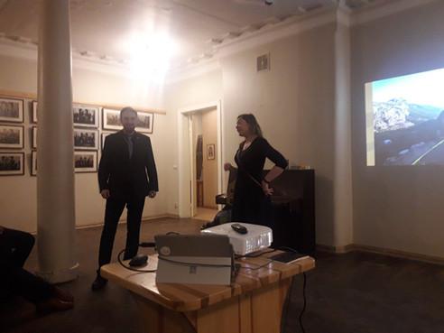 taut! Līva Černoglazovas un  fil! Krista Jirgena 180 km garā pārgājiena aizraujošais stāstījums