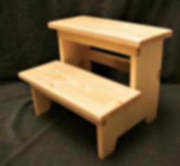 banquinho de madeira.jpg