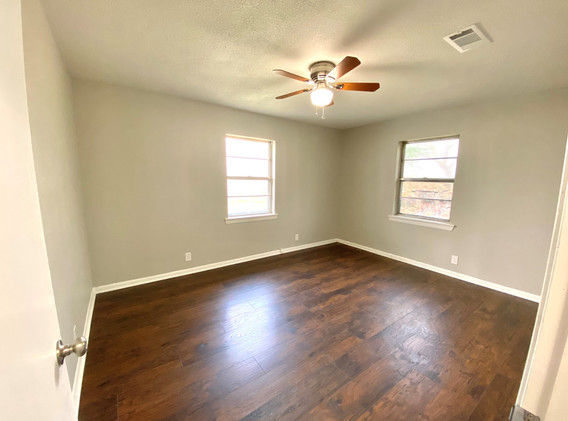 Bedroom - NE side.jpg