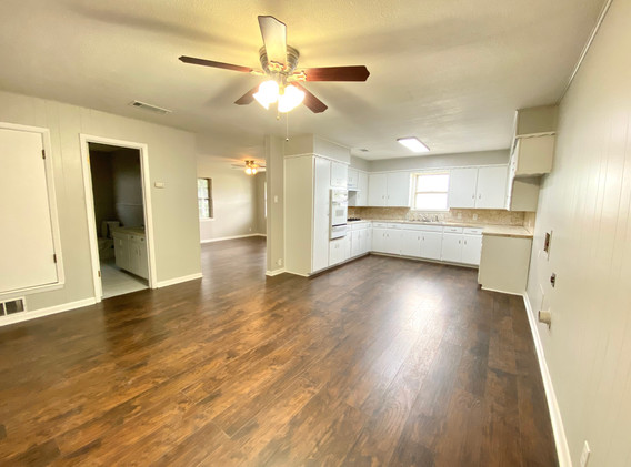 Kitchen-Dining Room - Wide towards bathr