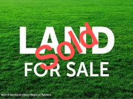 Land%20for%20sale_edited.jpg