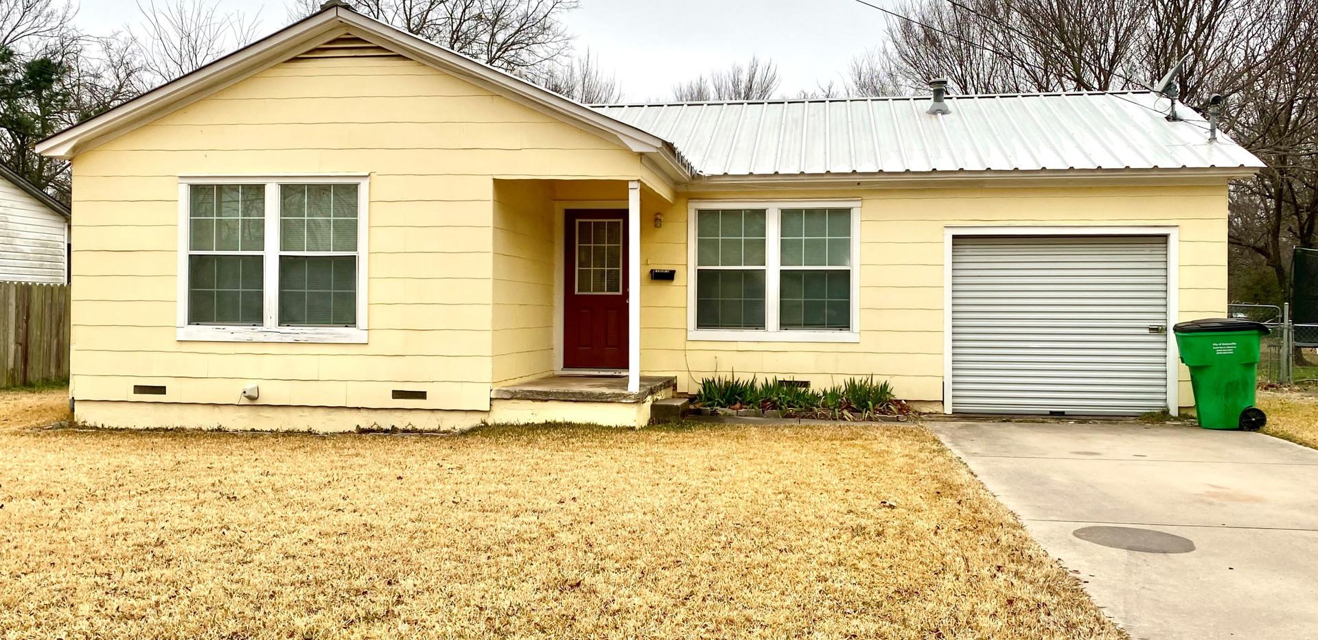 S Howeth St, Gainesville, TX